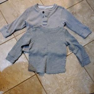 👕2 Baby boy size 24M long sleeve shirts👕